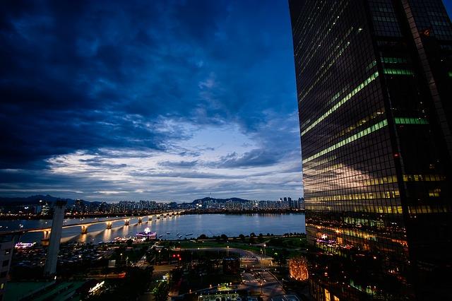 Inwestycje budowlane w centrach dużych miast